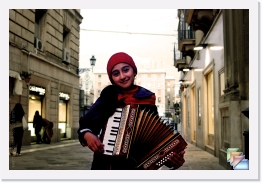 Street Musicians & Artists of Italy * Street Musicians & Artists of Italy * (78 Slides)