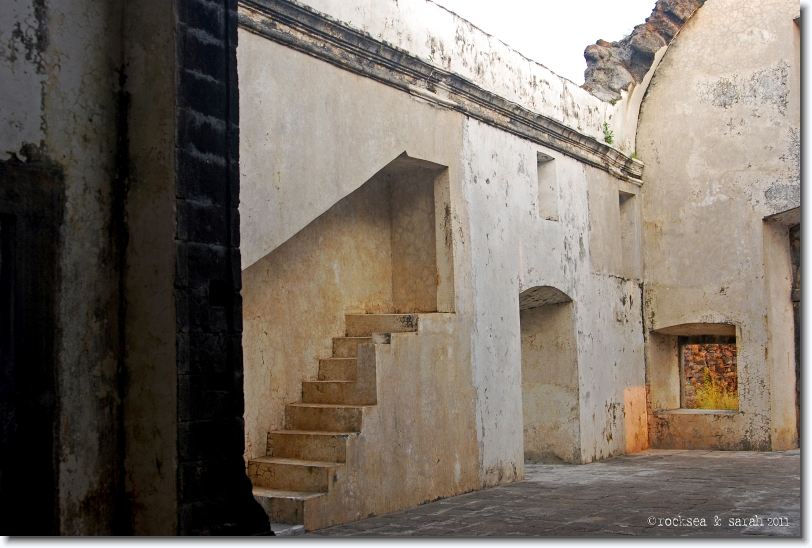 Flight of steps at the Korlai Fort Church